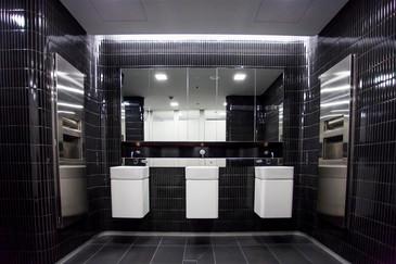 1 martin place bathrooms_4 (Medium).JPG