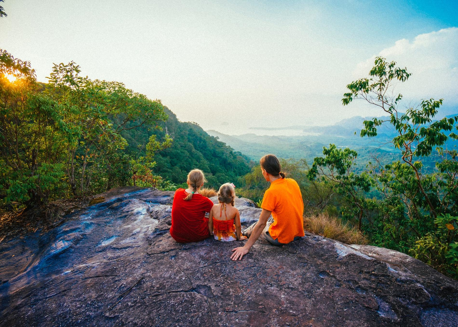 smoky-mountains-family-hiking
