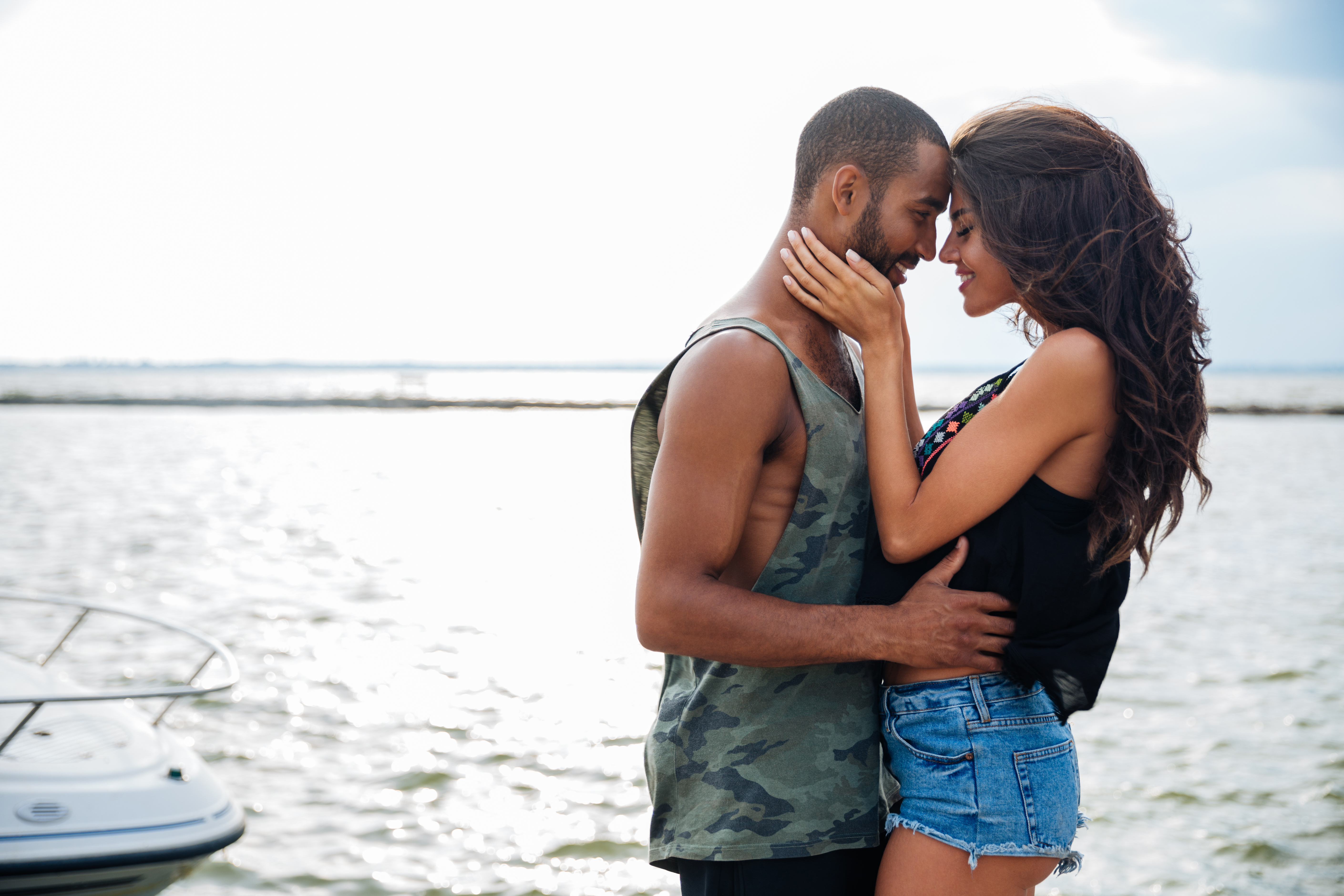 graphicstock-portrait-of-romantic-young-beautiful-couple-in-love-embracing-at-the-pier_rdxLh7NHnx