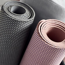 lightweight-yoga-mat-grey-807385.jpg