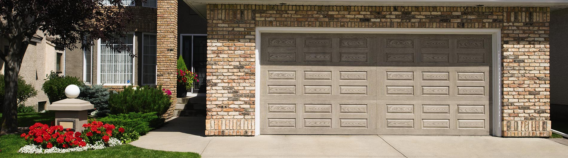 9800-Fiberglass-Garage-Door-Horiz-Raised