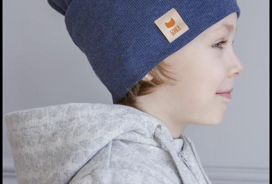 Синяя детская шапка