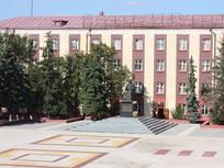 Памятник основателю города Новый Оскол Алексею Михайловичу Романову