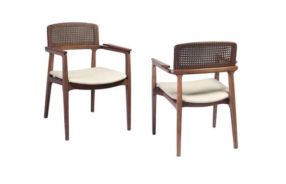 Cadeira Tuane com braço e palha