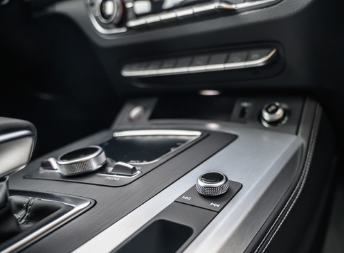 Audi SQ5 2019 White Finals-9.jpg