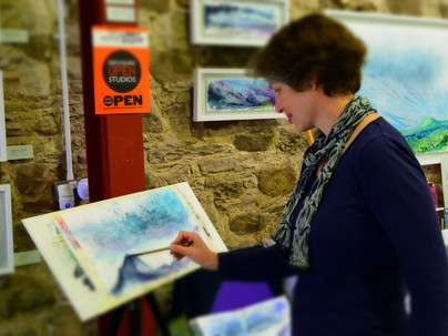 Libby Scott Paints Up a Storm at The Bield