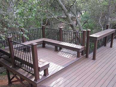 Trex Deck with Built-in Bench, Bar, Riser and Post Cap Lights