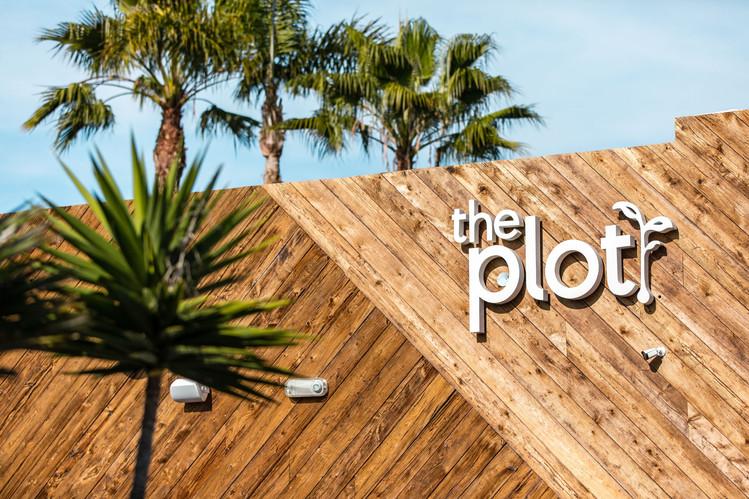 ThePlot(28of41).jpg
