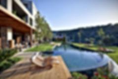 Piscine%20-hotel_edited.jpg