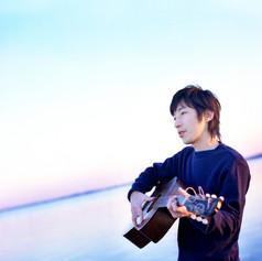 おおはた君とギター.jpg