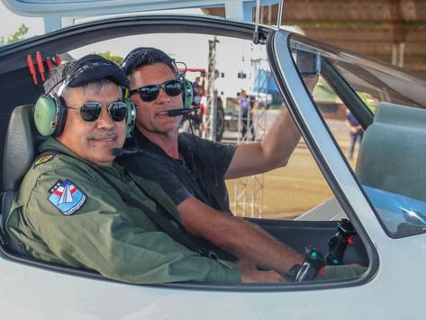 La Fuerza Aérea de Paraguay prueba el avión de entrenamiento WEGA 180