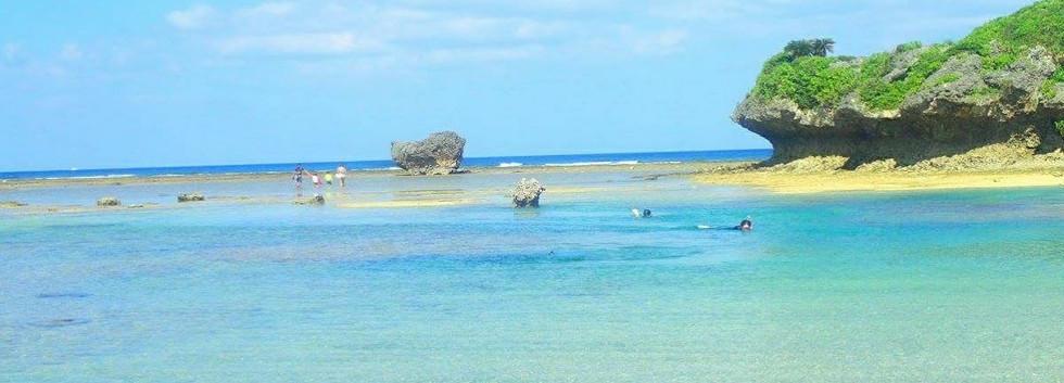 穏やかなビーチで