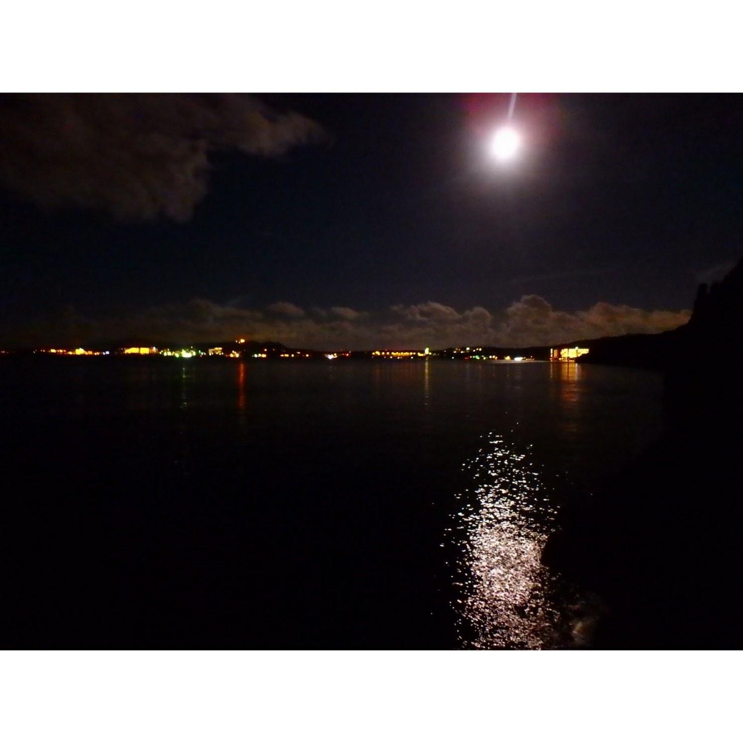ナイトシュノーケル 真栄田岬の夜景