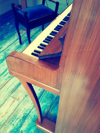 Old piano before i bought my beautiful Kawai piano here in Barnsbury, Islington N1