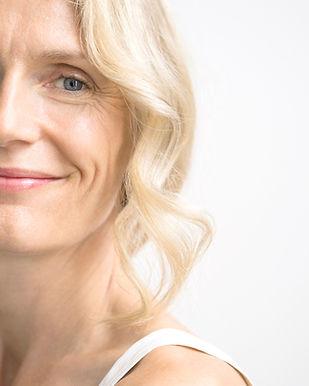 Blonde Frauen-Lächeln