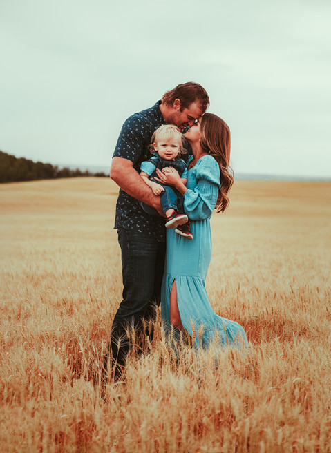 Family portrait sessions. Canada. VO IMAGES