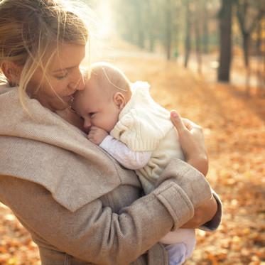 Dar colo é muito mais do que segurar um bebé nos braços