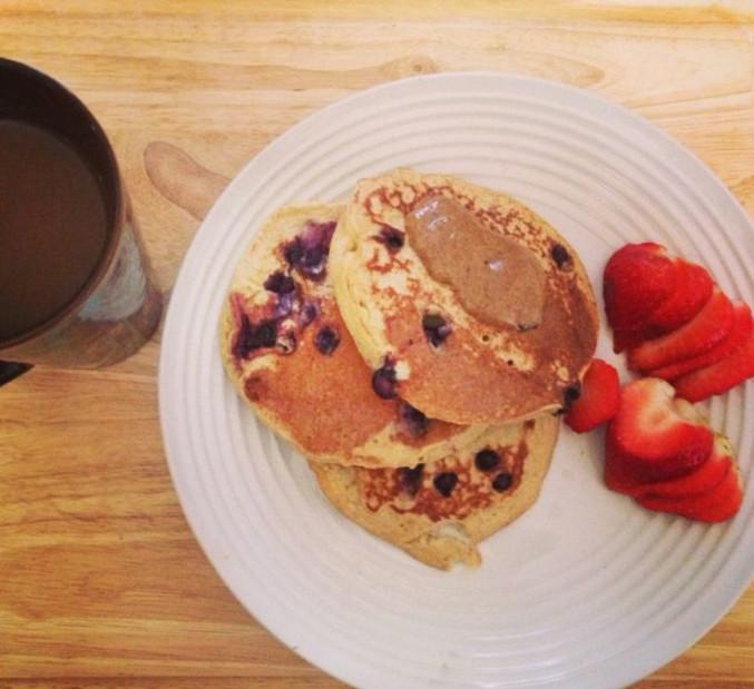 clean-blueberry-pancakes-768x703.jpg