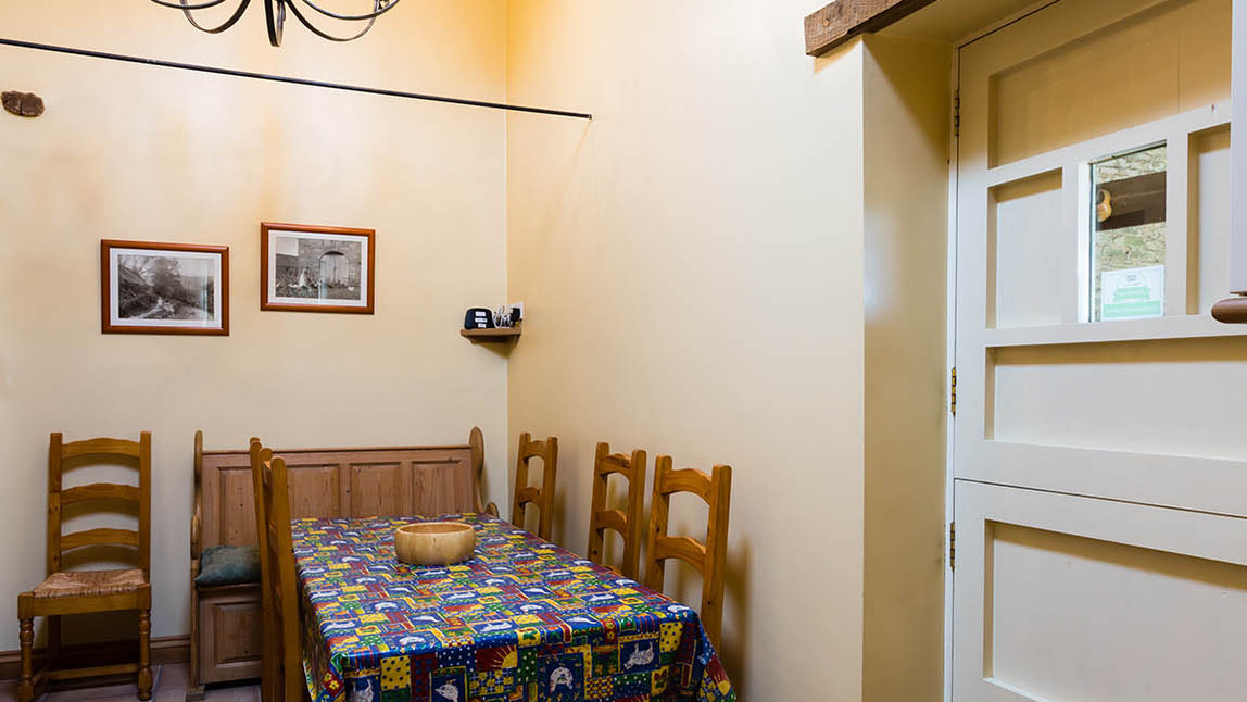 No1_Clematis_Cottages_dining.jpg