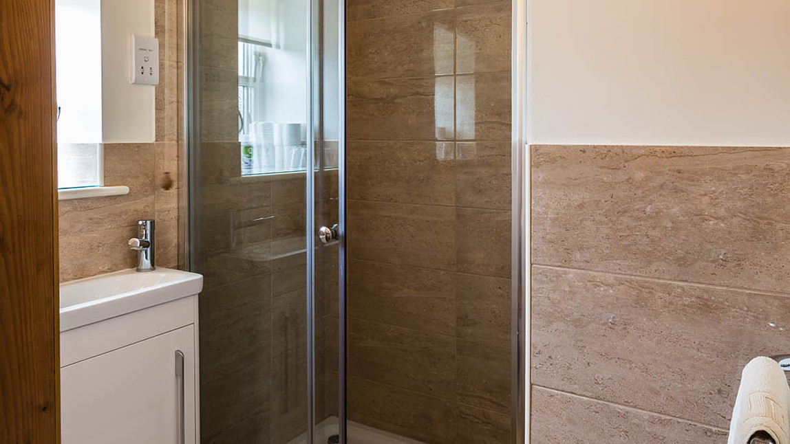 No1_Clematis_Cottages_shower.jpg