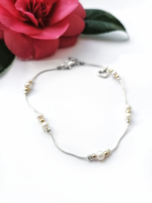 Luxury silver & pearl anklet with gold details