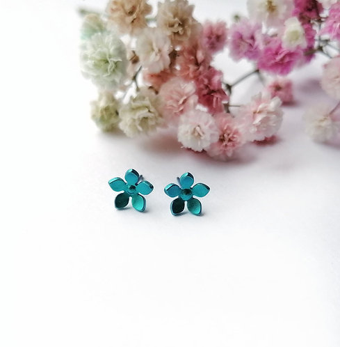Titanium daisy turquoise stud earrings