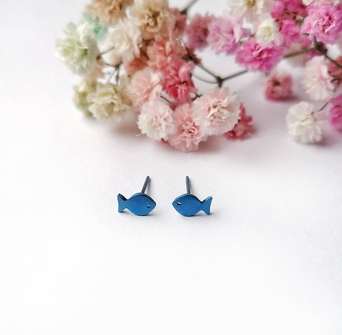 Titanium mini blue fish stud earrings