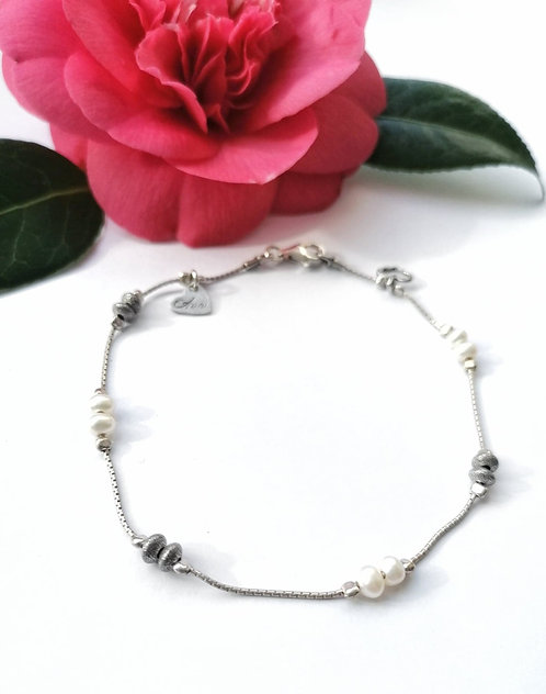 Luxury silver & pearl anklet with heart detail