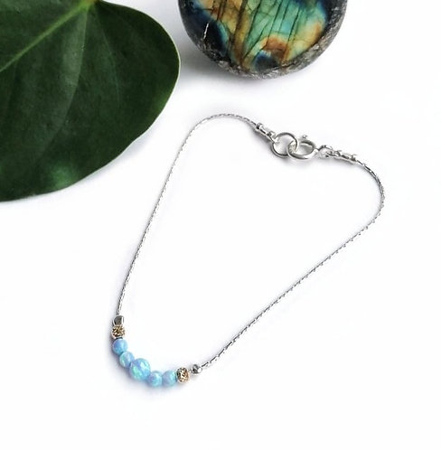 Silver & icy opalite graduated bracelet