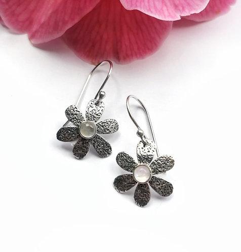 Silver & moonstone textured flower earrings