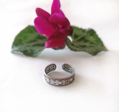 Silver dot pattern Toe ring