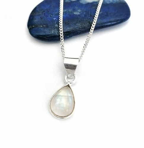 Silver & moonstone teardrop classic necklace