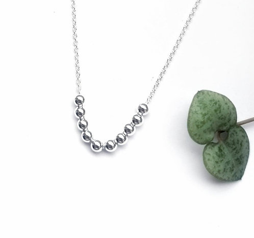 Silver mini beaded necklace