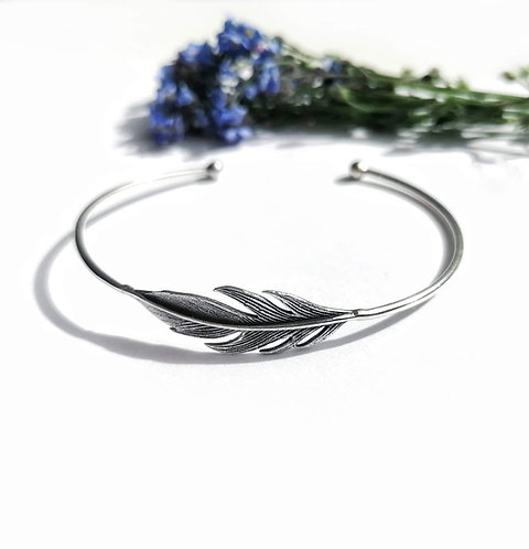 Silver feather torc bangle