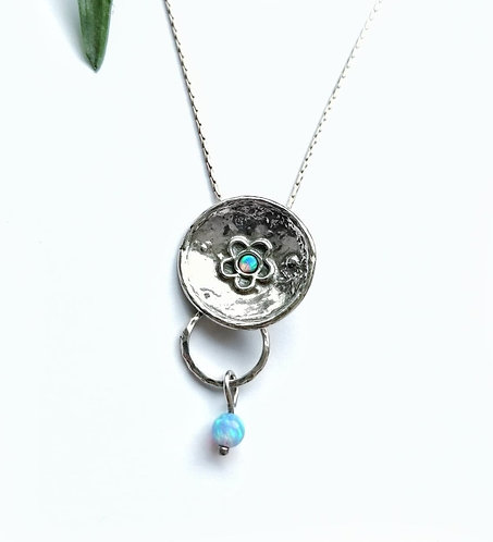 Silver & opalite round daisy necklace