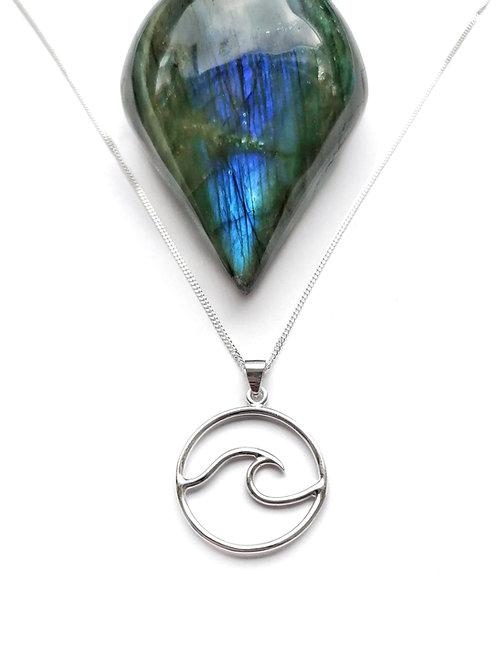 Silver medium wave necklace