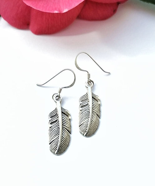 Silver gorgeous feather earrings
