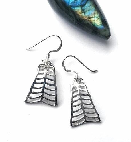 Silver rows earrings