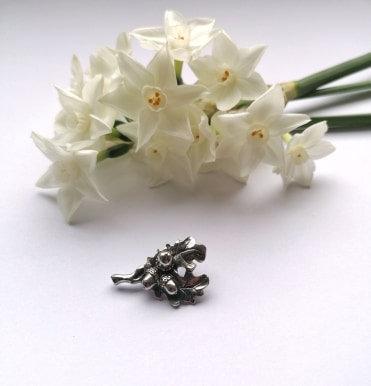 Acorn Lapel pin