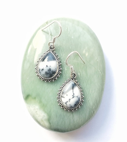 Silver dendritic agate detailed earrings