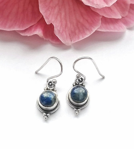 Sweet little round silver lapis lazuli detail earrings