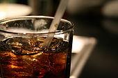 Les boissons dégazées soulagent les nausées et vomissements. Le gingembre contenu dans Novalib aussi.