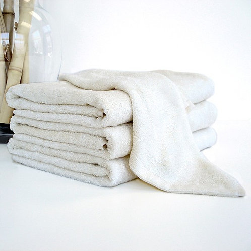 "Nandina Bath Towel (28"" x 55"")/ 71cm x 139cm | Free Shipping"
