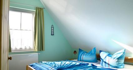 Schlafzimmer_2-669x350.jpg