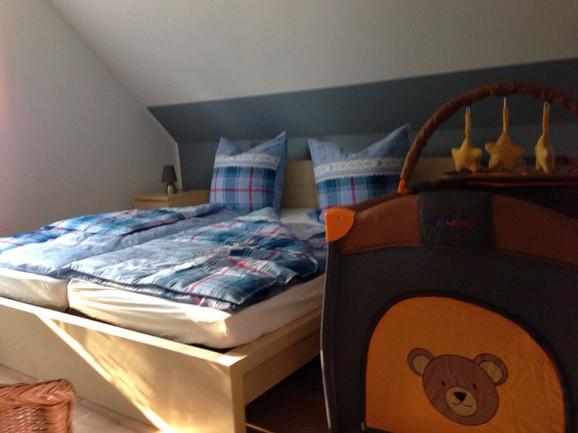 OG-Schlafzimmer-Kind_blau1.jpg