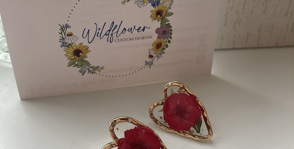 Gold Dried & Pressed Floral Heart Earrings