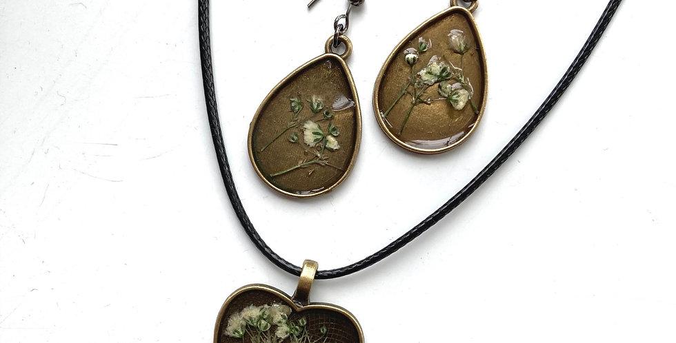 Gypsophila Drop & Heart Necklace Set