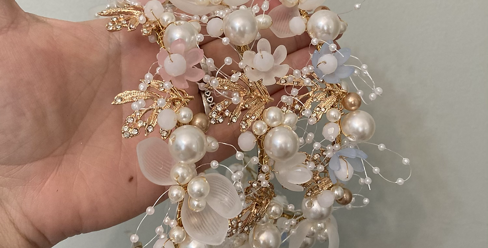 Pearl Flower Gold Diamond Wire Band