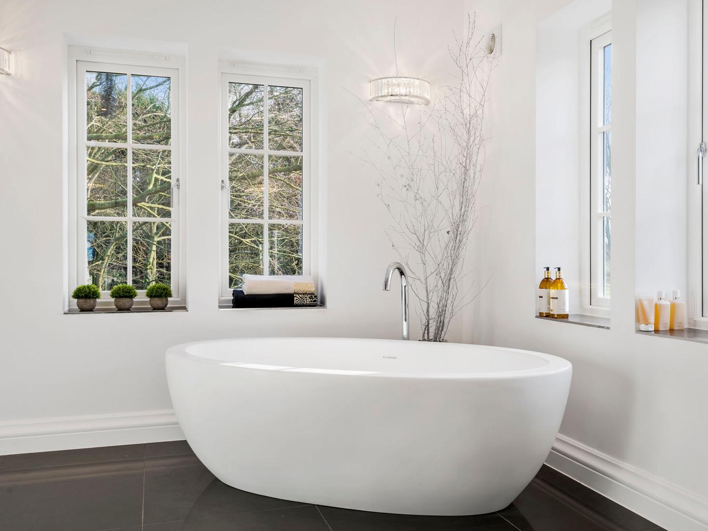 Waters I-Line - 20mm Edge Stream - 1540mm Freestanding Bath White