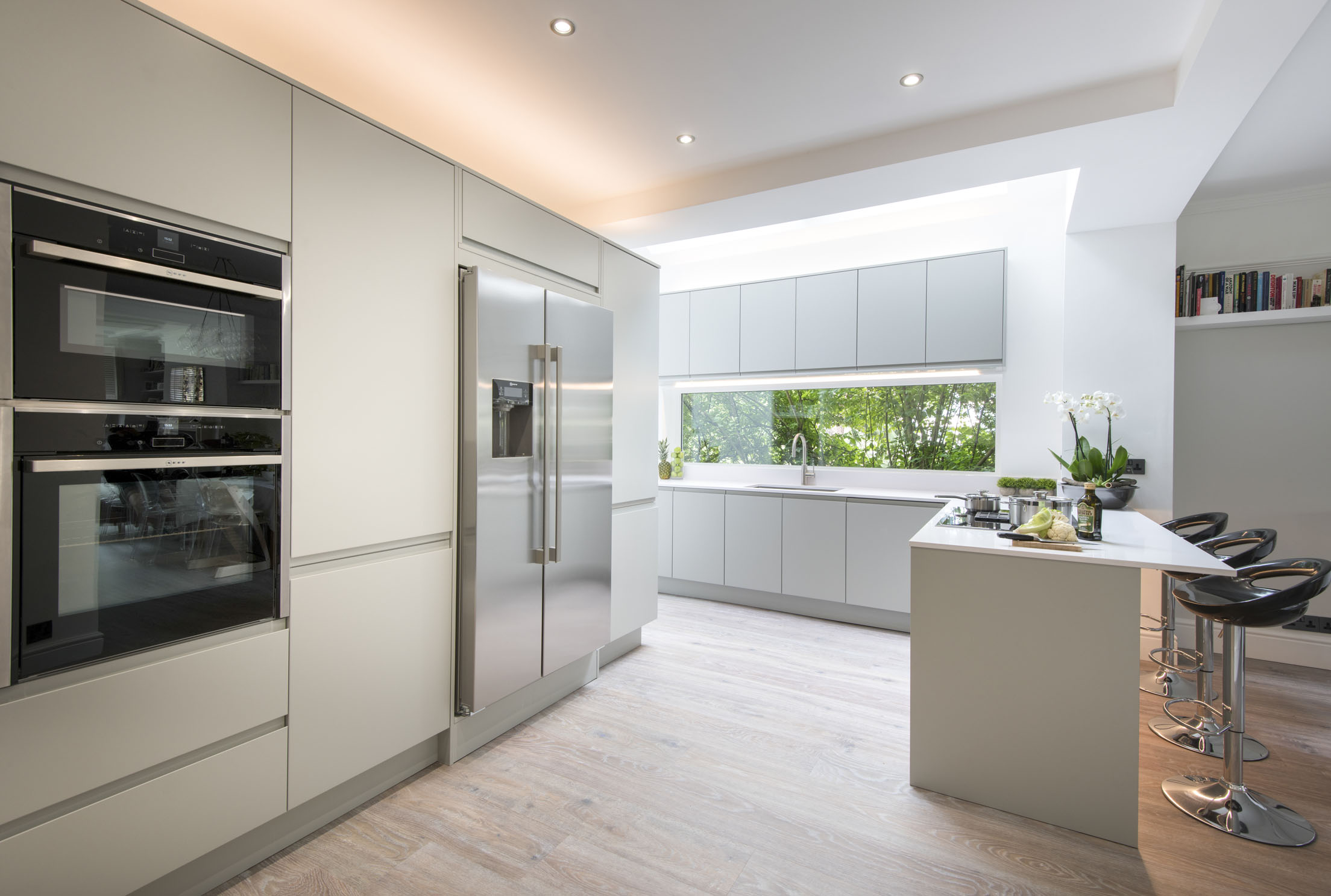Kew Gardens Kitchen by Kuche & Bagno
